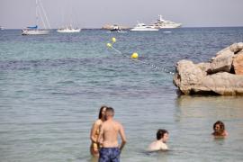 Los espacios balizados para el baño de las playas de Vila alcanzan los 200 metros