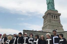 Protesta en la Estatua de la Libertad por la separación de familias inmigrantes en EEUU