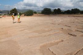 Hallan restos arqueológicos en las obras de la carretera de Santa Eulària y la variante de Jesús
