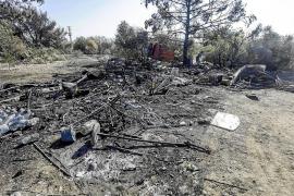 El incendio de tres caravanas y una chabola en sa Joveria dispara las alarmas y las sospechas