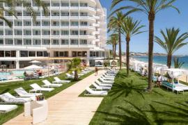 Aumenta la ocupación hotelera en Formentera y se mantiene en Ibiza