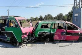 El polígono industrial de Montecristo, un cementerio ilegal de coches abandonados
