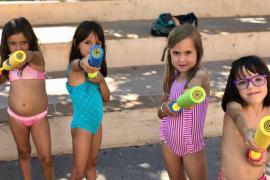 Actividades infantiles, coches antiguos, misa, 'ball pagès' y mucha agua en el barrio de sa Capelleta