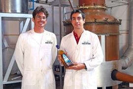 Familia Marí Mayans exporta al Mundial de Rusia más de 10.500 botellas de hierbas