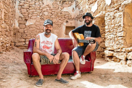 Jah Chango y Jarabe de Palo juntos en un 'Sofá de cuero'