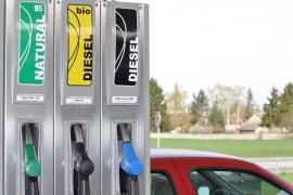 El precio del diésel se dispara un 4,58% en un momento en el que el Gobierno anticipa su fin