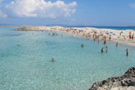 La playa de ses Illetes en Formentera es la mejor para ligar, según Meetic