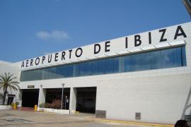 El personal de seguridad del aeropuerto de Ibiza iniciará una huelga indefinida