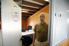 El jefe de la Oficina Anticorrupción se toma un año para decidir si tira la toalla