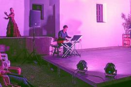 Música, danza y poesía brillan en el Museu Etnogràfic de Santa Eulària
