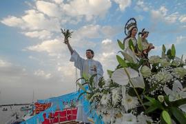 Más de trescientas personas honran a la Virgen del Carmen en Portinatx