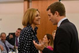 Cospedal arropa a Casado en un acto y dice que puede ser una «magnífica opción» para dirigir el PP