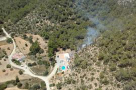 Controlado un incendio forestal en Sant Josep