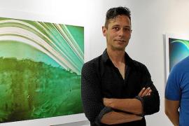 Las solarigrafías de Toni Planells, 'Untaltoni', llenan de color Sa Nostra Sala
