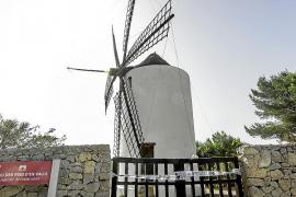 Precintado el acceso al molino de Puig d'en Valls