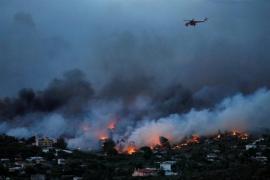 Al menos 60 muertos en los incendios registrados en los alrededores de Atenas