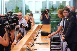 Puigdemont aspira volver a Cataluña pese a la orden de detención