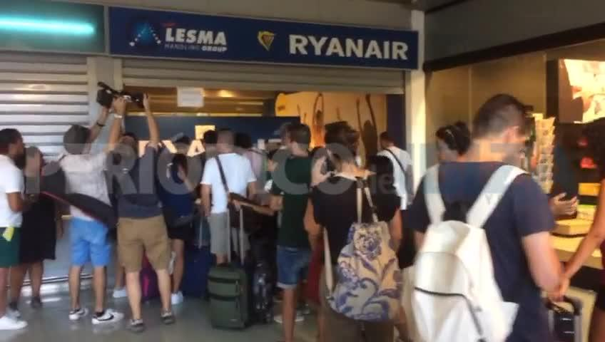 La huelga de Ryanair arranca con normalidad y sin grandes incidencias en el aeropuerto de Ibiza
