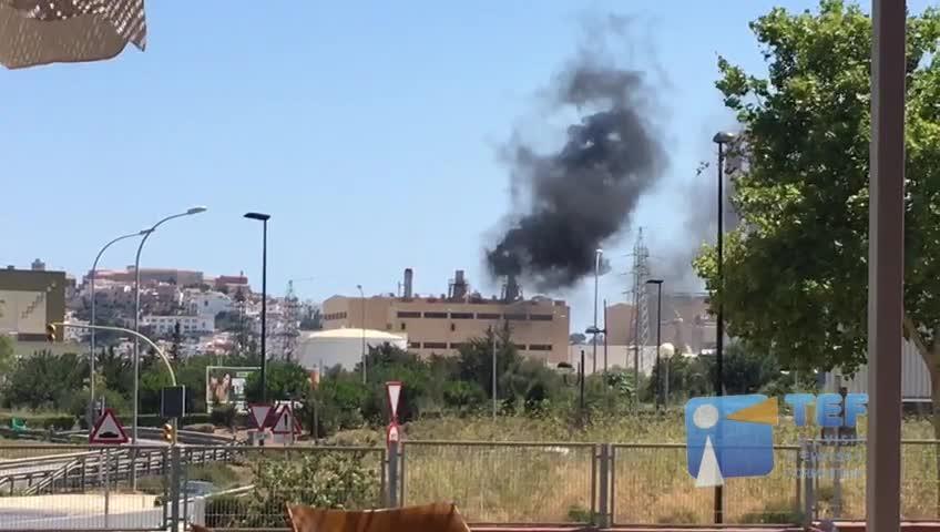 Vídeo | Intensa nube negra de humo de la central eléctrica de Ibiza