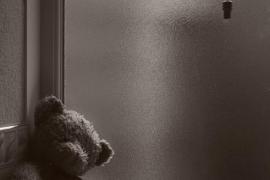 Detenido un hombre por abandonar a su hija de 11 años en un hotel para irse a una discoteca