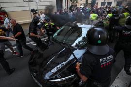 Uber y Cabify suspenden temporalmente la actividad en Barcelona por agresiones