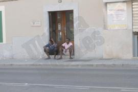 16 refugiados del 'Aquarius', instalados en un centro de acogida en Palma