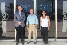 Sant Antoni pide a Ramón Roca la restricción de la comercialización legal del óxido nitroso