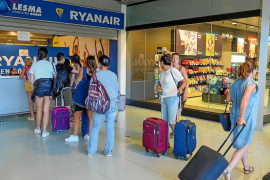 La huelga de dos días de Ryanair se salda con 45 vuelos cancelados en Ibiza