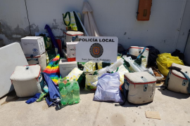 La Policía de Sant Antoni interpone 22 denuncias contra la venta ambulante