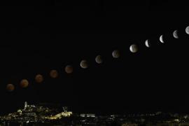 Así fue la evolución del eclipse de Luna seguido por miles de pitiusos