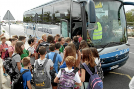 Los escolares ibicencos podrán aprovechar plazas en los autobuses regulares para asistir a clase