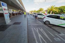 La protesta de taxis en Ibiza, en imágenes (Fotos: Marcelo Sastre).