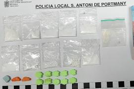 La Policía Local de Sant Antoni detiene a dos hombres por venta de drogas