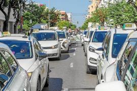 Los taxistas exigen al Govern que no tramite las 260 licencias de Ares Capital