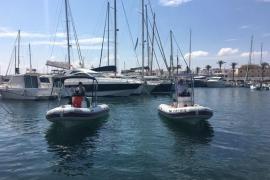 Tres marineros evitan daños personales en la explosión de un barco en la Marina
