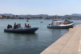 Hallan el cadáver de un joven flotando en el puerto de Sant Antoni