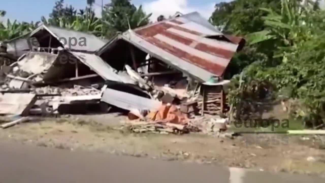 Un terremoto en la isla de Lombok (Indonesia) causa cerca de un centenar de fallecidos