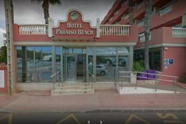 Un joven muere ahogado en la piscina de un hotel de Santa Eulària