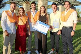 Ceremonia de graduación en la Facultat de Turisme