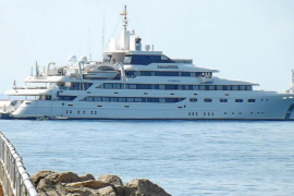 El megayate O'Mega, construido como crucero, visita Palma
