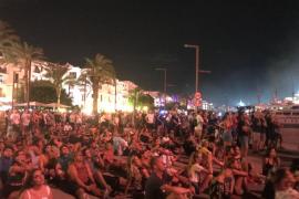 El castillo de fuegos artificiales en Ibiza, en imágenes (Fotos: Mohamed Chendri / Jaume Martorell).