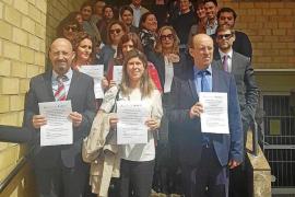 Opositores de Justicia protestan y rechazan tener que venir de forma «forzada» a Ibiza