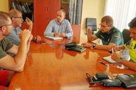 Los taxistas y las VTC exigen soluciones reales para combatir a los taxis ilegales