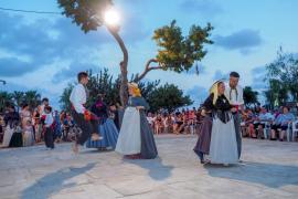 Can Burgos se llena de tradición y mantiene el espíritu payés con juegos y bailes