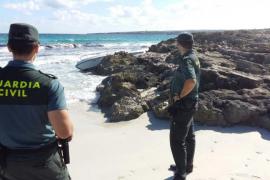 La Guardia Civil busca una patera cerca de las costas de Ibiza