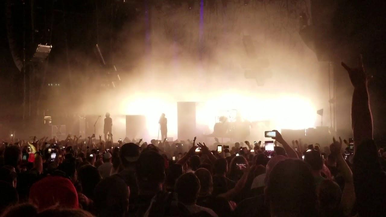 Marilyn Manson se derrumba en el escenario