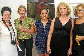 Agosto abstracto y femenino en Garden Art Gallery