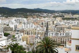 El PP critica que el Consell d'Eivissa modifica el PTI «por la puerta de atrás»