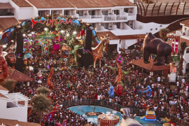 La diversión y la locura de elrow llega hoy a Ushuaïa Ibiza Beach Hotel