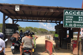 Detenido por agredir al controlador de acceso a ses Illetes en Formentera